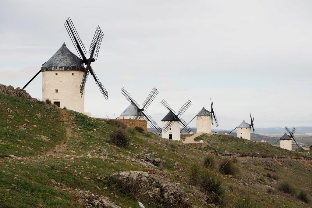 スペイン コンスエグラ 風車