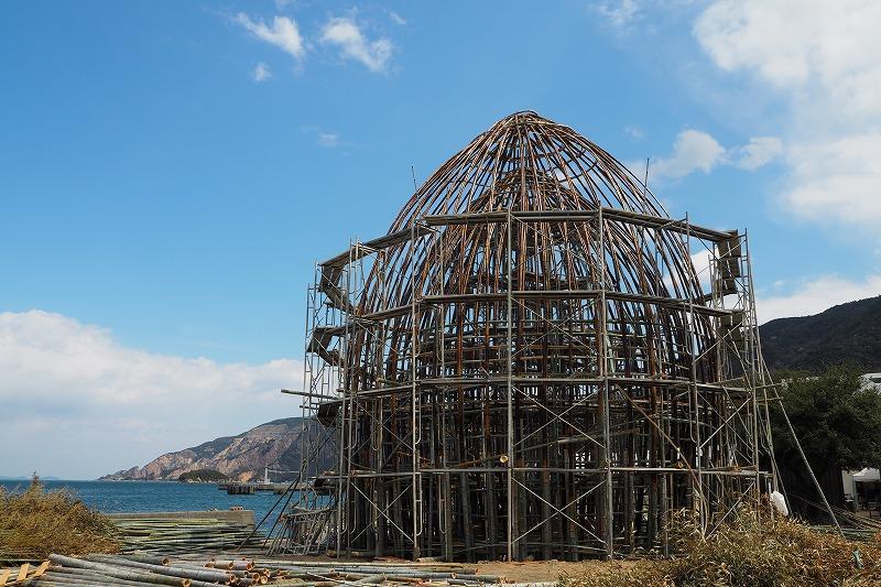 小豆島 アート 国境を越えて波