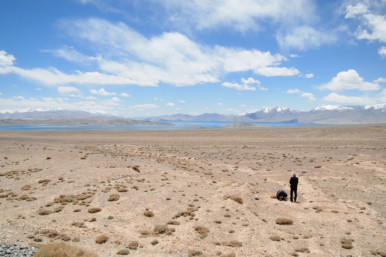 タジキスタン 湖 旅女