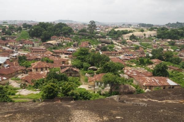 ナイジェリア オルモロック アベオクタ
