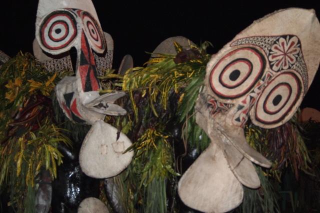 パプアニューギニア旅女