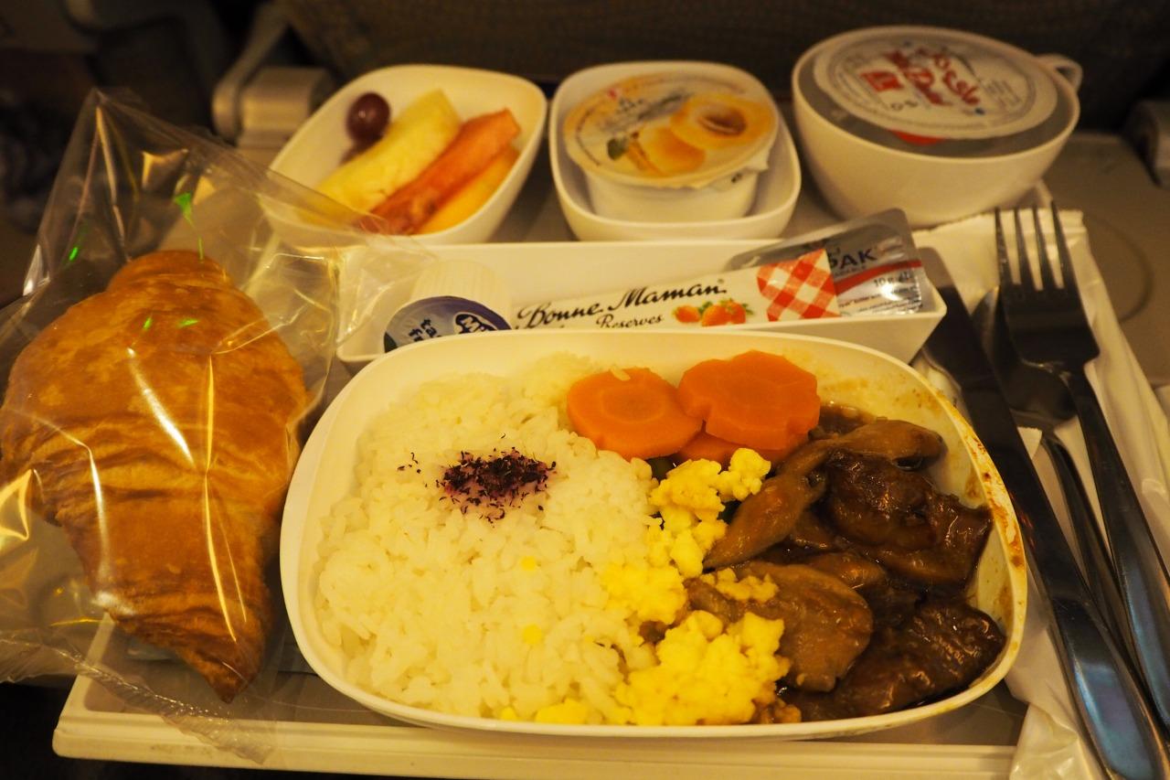 エミレーツ航空 機内食 旅女